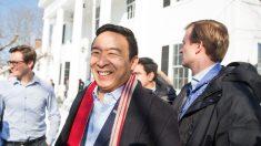 """Andrew Yang apoya a Joe Biden para presidente, dice que es el """"hombre adecuado para la tarea"""""""