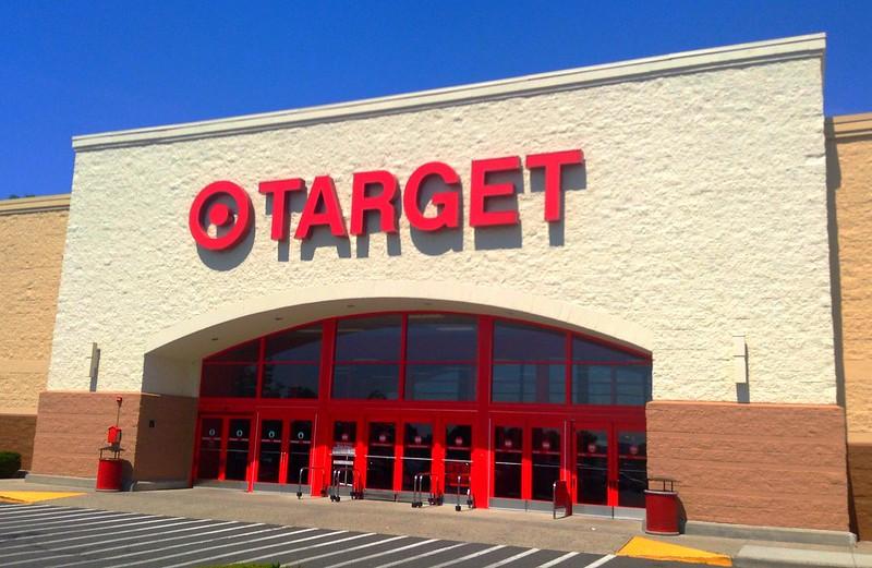 Walmart limitará el número de clientes en sus tiendas a partir del Sábado