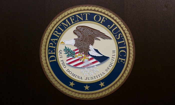 El sello del Departamento de Justicia de EE. UU. en una foto de archivo. (Samira Bouaou/The Epoch Times)
