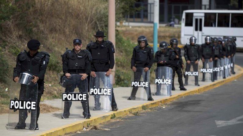 Miembros de la policía antidisturbios en Managua (Nicaragua). EFE/Jorge Torres/Archivo
