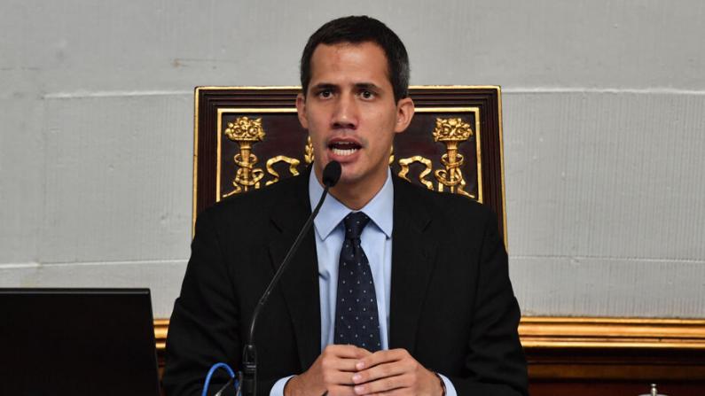 Guaidó aborda con el ministro de Exteriores de Canadá la situación de Venezuela