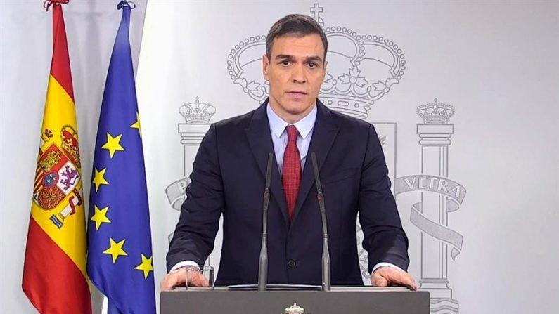 Captura de vídeo del presidente del Gobierno, Pedro Sánchez, en la declaración institucional en el Palacio de la Moncloa. EFE/EFE-TV