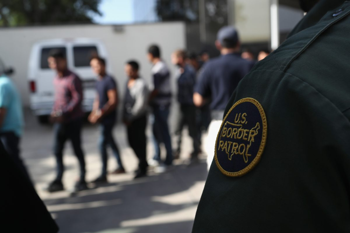 Detienen en Texas a más de 230 migrantes, incluidos niños no acompañados