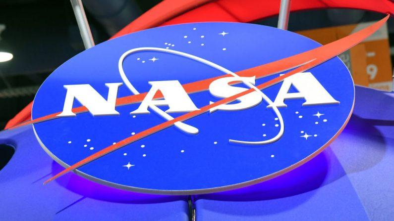 El logo de la NASA figura en el stand de la agencia durante la CES 2018 en el Centro de Convenciones de Las Vegas el 11 de enero de 2018 en Las Vegas, Nevada. (Ethan Miller/Getty Images)