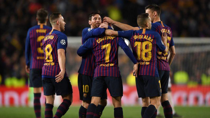 Philippe Coutinho de Barcelona celebra después de marcar el tercer gol de su equipo con Arthur, Lionel Messi y Jordi Alba de Barcelona durante el partido de vuelta de los cuartos de final de la UEFA Champions League entre el FC Barcelona y el Manchester United en el Camp Nou el 16 de abril de 2019 en Barcelona, España. (David Ramos/Getty Images)