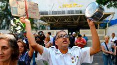 Médicos de Venezuela salen a las calles por falta de agua y cierre de servicios para el coronavirus