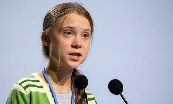 La activista medioambiental sueca Greta Thunberg da un discurso en la sesión plenaria durante la Conferencia Climática COP25 en Madrid el 11 de diciembre de 2019. (Pablo Blazquez Dominguez/Getty Images)