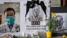 La viuda del doctor denunciante de Wuhan, Li Wenliang, da a luz a su hijo.