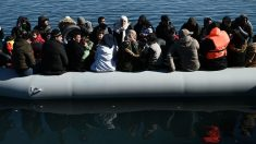 Gobierno turco afirma que más de 76,000 refugiados salieron de Turquía hacia Grecia