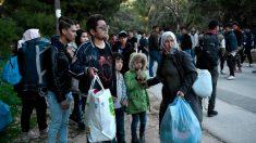 Comisión Europea crea programa pagado de retorno de refugiados desde Grecia