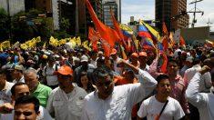 Oposición venezolana es reprimida en marcha, oficialismo se logra concentrar