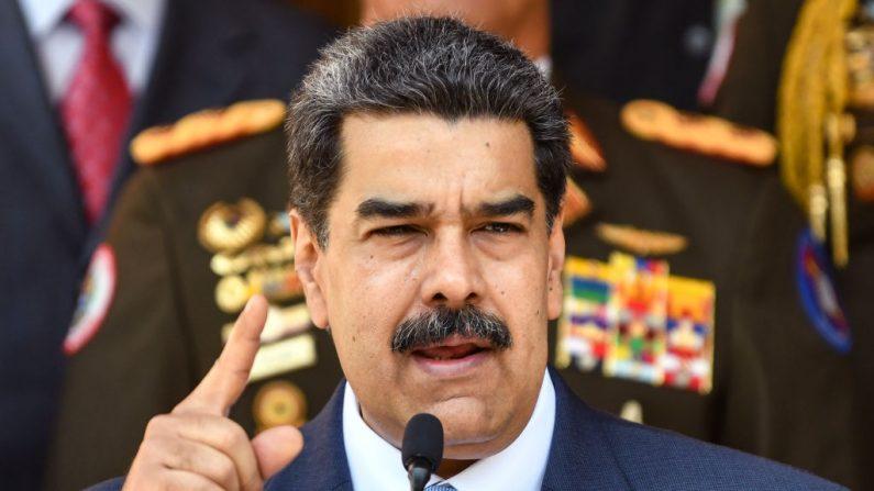 El líder venezolano Nicolás Maduro habla durante una conferencia de prensa en el Palacio de Gobierno de Miraflores el 12 de marzo de 2020 en Caracas, Venezuela. (Carolina Cabral/Getty Images)