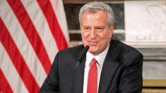 Alcalde de NY dice que escuelas omitirán calificaciones tradicionales para algunos estudiantes