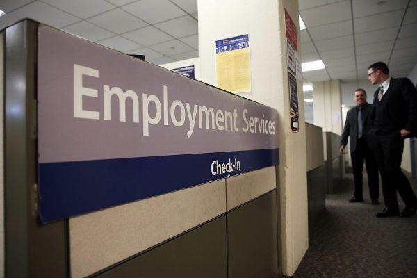 Solicitudes de desempleo de Estados Unidos se disparan a 6.6 millones, un récord demoledor
