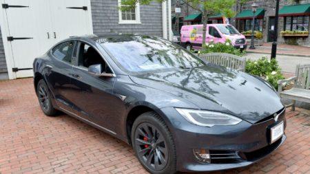 Campaña para limitar el crédito fiscal a vehículos eléctricos cobra impulso en el Senado