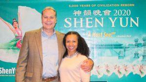 """Shen Yun es """"educativo para todos"""" dice CEO"""