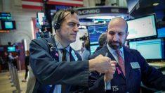 Índices bursátiles de Wall Street se recuperan después de una semana de pánico por caída de valores