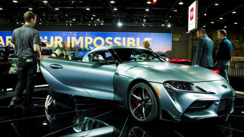 Un vehículo 2019 Toyota GR Supra es expuesto durante el Salón del Automóvil de Detroit 2019, en Detroit, Michigan (Estados Unidos). EFE/ Tannen Maury/Archivo