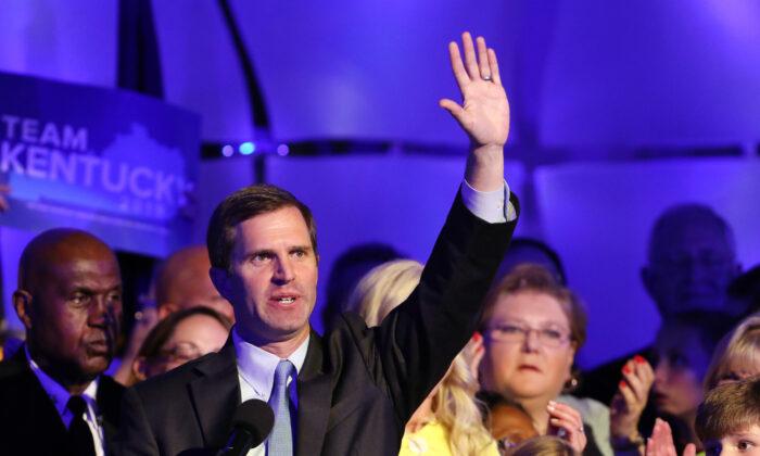 El gobernador electo Andy Beshear en Louisville, Kentucky, el 5 de noviembre de 2019. (Josh Sommers II/Getty Images)
