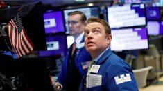 Wall Street abre verde y Dow gana 200 puntos por medidas contra el virus del PCCh