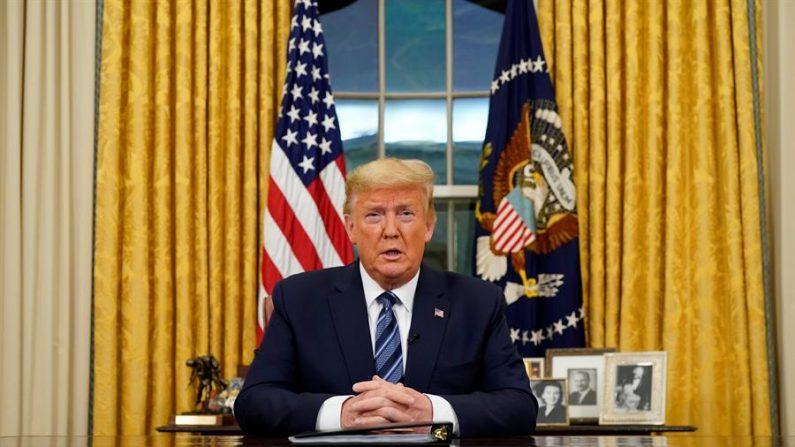El presidente de EE.UU., Donald J. Trump, habla a la nación desde el Despacho Oval, sobre la creciente crisis del coronavirus, en Washington DC (EE.UU.) (EFE/Doug Mills)