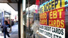 Juez federal bloquea esfuerzos de administración Trump para endurecer programa de cupones de alimentos