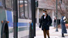 Conductor de autobús de Detroit que se quejó de la tos de un pasajero, muere de COVID-19