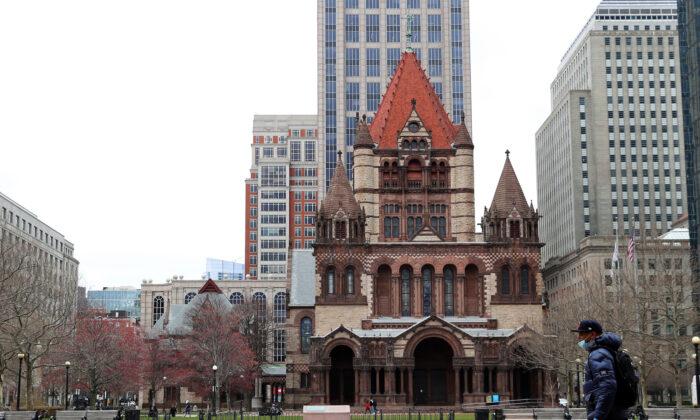 La inusualmente tranquila Plaza Copley en Boston, Massachusetts, el 25 de marzo de 2020. (Maddie Meyer/Getty Images)