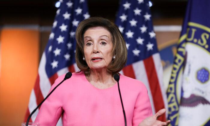 Oradora de la Cámara, Nancy Pelosi (D-Calif.), en una conferencia de prensa el 26 de marzo de 2020. (Charlotte Cuthbertson/The Epoch Times)