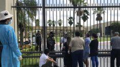 Guayaquil inicia entierros de un millar de difuntos y abre dos hospitales