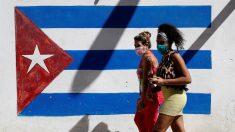 """""""¿Llevas un mes sin papel higiénico? Yo estuve toda mi vida sin papel higiénico"""": YouTuber cubano critica a izquierdista varada en Cuba"""