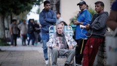 Buenos Aires pide que mayores de 70 años contacten al Gobierno antes de salir