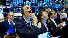 Wall Street en rojo por caída en ventas minoristas y resultados de bancos