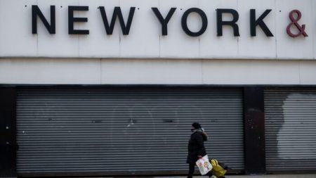 Madre de Nueva York habla después de ser arrestada por no usar mascarilla