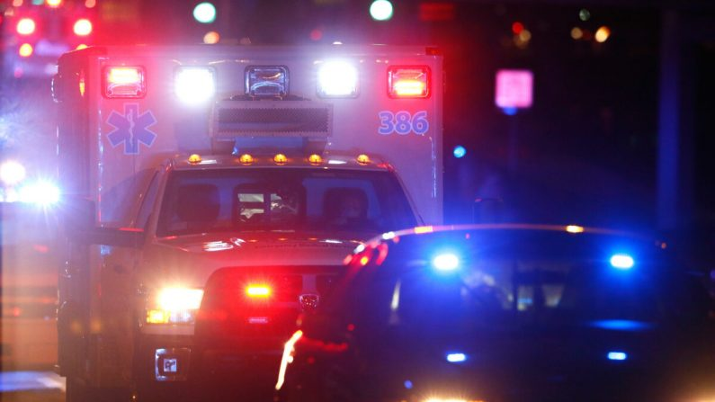 Una ambulancia llega al Hospital de la Universidad de Emory en Atlanta (Georgia) el 15 de octubre de 2014. (Kevin C. Cox/Getty Images)