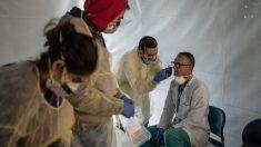 Doctor vence al virus del PCCh y regresa a la batalla contra la pandemia en hospital de Chicago