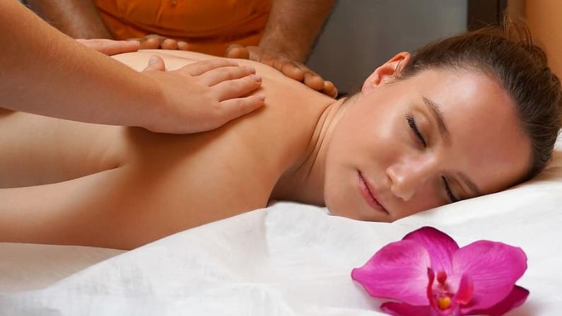 Las personas con insomnio y trastornos del sueño también pueden beneficiarse del masaje. (Pxfuel/ CC0)