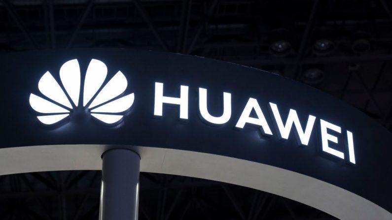 Logotipo de Huawei Technologies Co. en el Tokyo Game Show, el 12 de septiembre de 2019, en Chiba, Japón. (Tomohiro Ohsumi/Getty Images)