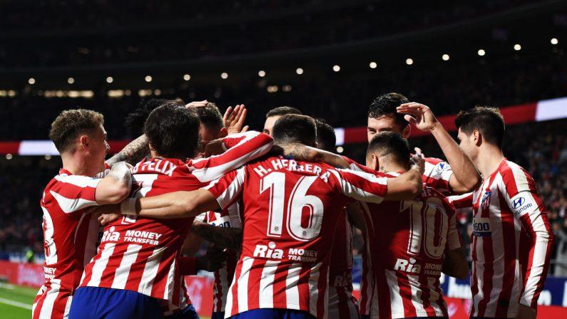 Los jugadores del Atlético de Madrid durante el partido de Liga entre el Club Atlético de Madrid y el CA Osasuna en el Wanda Metropolitano el 14 de diciembre de 2019 en Madrid, España. (Denis Doyle/Getty Images)