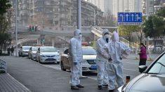 """""""Esperando la muerte"""": enfermo de cáncer busca tratamiento en Wuhan y contrae el virus"""