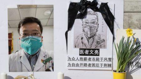 Residentes de Wuhan y grupos internacionales homenajean a médico chino en aniversario de su muerte