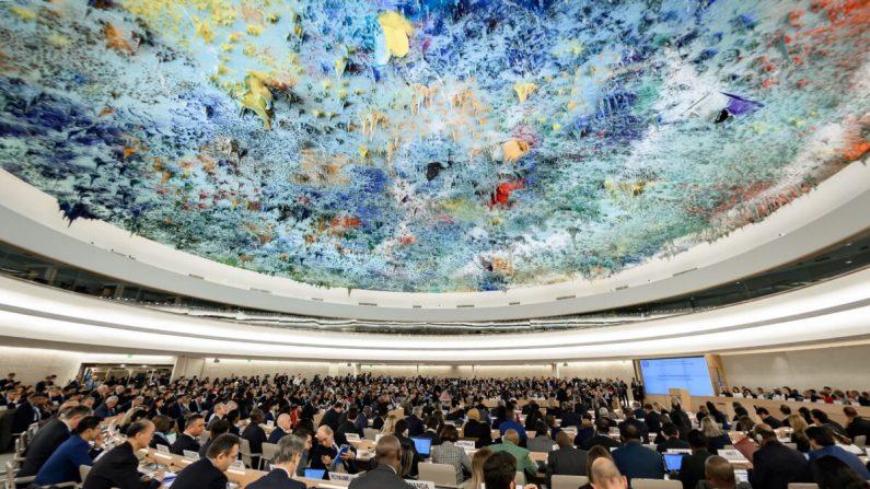 Delegados asisten a la apertura de la sesión anual principal del Consejo de Derechos Humanos de la ONU el 24 de febrero de 2020 en Ginebra. (Fabrice Coffrini/AFP a través de Getty Images)