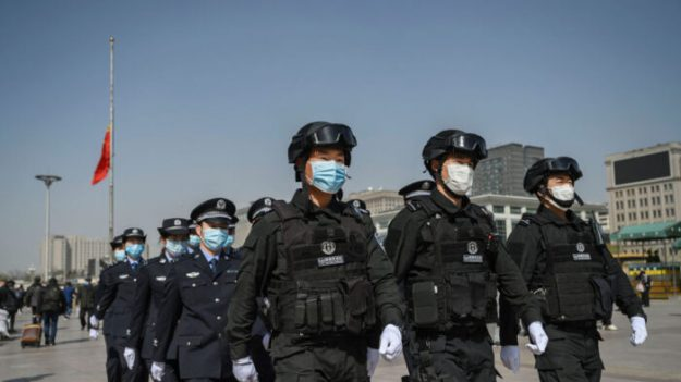 Ciudadanos chinos indignados por duelo público de autoridades de Beijing hacia víctimas del virus