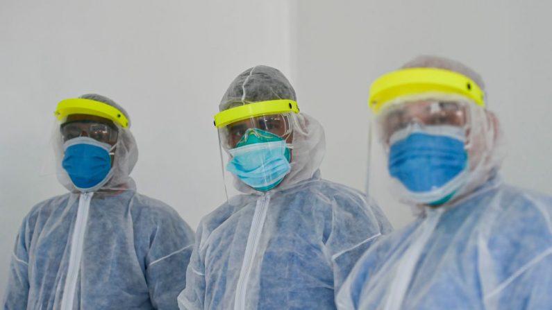 Contagio masivo en clínica, hospital en emergencia y récord diario de casos de COVID-19 en Colombia