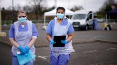 Gemelas británicas enfermeras mueren por COVID-19  con tres días de diferencia