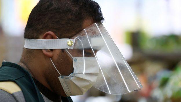 Las mascarillas son eficaces para reducir la detección de virus en el aliento exhalado, dice estudio