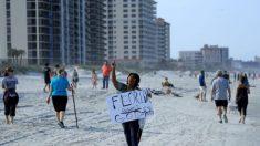 Cientos de personas llenan las playas de Florida después de la reapertura
