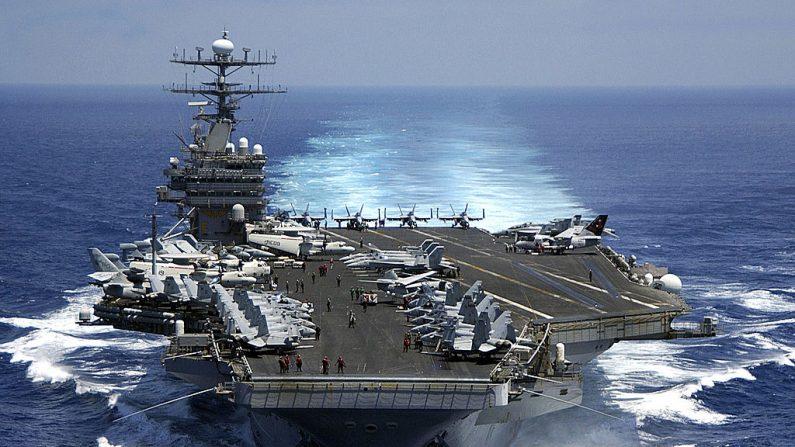 El portaaviones clase Nimitz USS Carl Vinson (CVN 70) en el Océano Índico el 15 de marzo de 2009. (Suboficial de segunda clase Dusty Howell / US Navy a través de Getty Images)