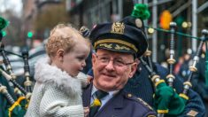 Exjefe de tránsito de la policía de Nueva York se recupera de COVID-19 y esparce esperanza