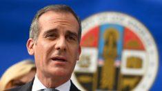 Los Ángeles podría impedir a la gente salir de sus barrios si el número de casos se dispara